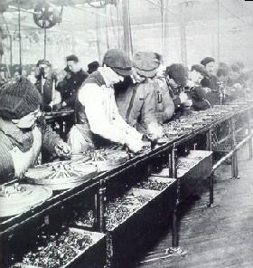 1913_assembly_line